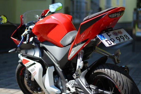 Yamaha YZF-R 125 kennzeichen halter tuning
